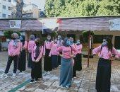 مسافة آمنة وكمامة.. مراسم طابور الصباح لطالبات مدرسة النيل الثانوية.. صور