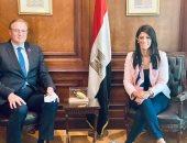 رانيا المشاط تبحث تعزيز التعاون مع المنسق المقيم للأمم المتحدة في مصر.. صور