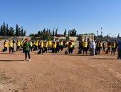 طلاب التربية الرياضية بجامعة قناة السويس يؤدون تحية العلم بأول يوم دراسى