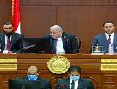 عمرو نبيل ومحمود عبدالجليل أصغر الأعضاء يعاونان هريدي بجلسة الشيوخ الافتتاحية