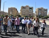 """نائب وزير الإسكان يتابع الاستعدادات الأخيرة لتسليم مشروع سكن مصر"""" لحاجزيها"""