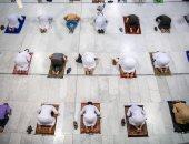 المصلون والمعتمرون يواصلون توافدهم إلى المسجد الحرام بعد انقطاع 213 يوماً (صور )