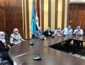 نائب رئيس جامعة طنطا للدراسات العليا يجتمع بأعضاء الهيئة المعاونة
