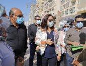 إزالة أحد مستودعات جمع القمامة وتمهيد الشوارع الترابية بقرية شط جريبة بدمياط .. صور