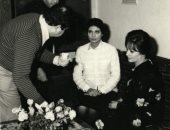 """صورة نادرة لسوسن بدر مع شادية من كواليس فيلم """"لا تسألنى من أنا"""""""