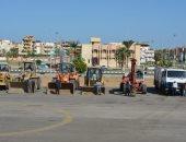 """رئيس """"دمياط الجديدة"""" يشهد اصطفاف معدات الجهاز والشركات العاملة بالمدينة"""