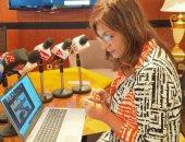 وزيرة الهجرة تتابع مع المصريين بالخارج التصويت بانتخابات النواب عبر زووم
