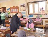 محافظ بورسعيد يكافئ مدرستى فاطمة الزهراء والمروة الإعدادية بنات.. صور
