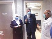 مدير فرع بنى سويف يتفقد العمل بمستشفى التأمين الصحى.. صور