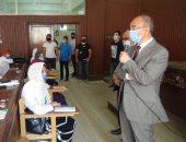 رئيس جامعة الزقازيق يلتقي طلاب الحقوق وطب الأسنان والتمريض.. صور