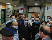 محافظ كفر الشيخ يطمئن على حالة المصابين بحادث انقلاب سيارة بترعة أبو عليوة