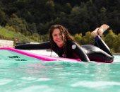 شاكيرا تركب الأمواج خلال عطلتها وجمهورها يسألها عن ألبومها الجديد..صور