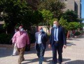 مدير تعليم القاهرة يتابع انتظام الدراسة وتطبيق إجراءات مكافحة كورونا