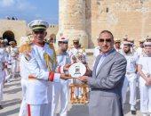 محافظ الإسكندرية يشهد حفل الفرقة الموسيقية للأسطول الفرنسى بقلعة قايتباى