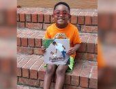طفل أمريكى يؤلف كتابا لمساعدة زملائه على محاربة قلق فيروس كورونا
