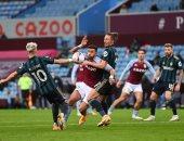 أستون فيلا ضد ليدز.. شوط أول سلبى بمشاركة تريزيجيه فى الدوري الإنجليزي