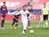 رابطة الدوري الإسباني تشيد بهدوء راموس في الكلاسيكو ضد برشلونة