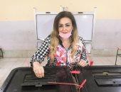 """نهال عنبر تدلى بصوتها فى انتخابات مجلس النواب بالعجوزة """"صور"""""""