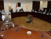 وزير الإسكان يستعرض مشروع الاشتراطات البنائية بالقاهرة والجيزة والإسكندرية