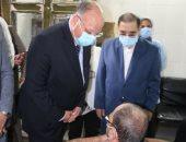 محافظ القاهرة يصرف مكافأة للأطباء والعاملين بمستشفى السيدة زينب.. اعرف السبب