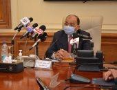 وزير التنمية المحلية يؤكد فتح جميع اللجان الانتخابية فى موعدها دون معوقات.. صور
