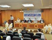 صور.. رئيس جامعة كفر الشيخ: نقدم التسهيلات فى إطار احترام اللوائح والأنظمة