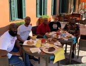 طاولة غداء تجمع موسيمانى وجهازه الفنى مع سفير جنوب أفريقيا بالقاهرة.. صور