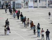 صور..انطلاق التصويت استفتاء تاريخى حول صياغة دستور جديد فى تشيلى