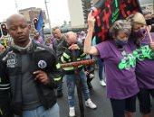 صور.. مظاهرات فى جنوب أفريقيا للتنديد بأعمال العنف وإنهاء أعمال القتل