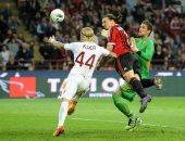 هل يستمر سجل إبراهيموفيتش المرعب ضد روما في قمة الدوري الإيطالي اليوم؟