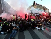 صور.. بولندييون يغلقون شوارع العاصمة احتجاجا على منع الإجهاض فى البلاد
