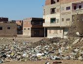 """""""الدقهلية"""" تشن حملات لرفع القمامة من قرية طنيخ بعد شكوى الأهالي..سيبها علينا"""