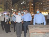 محافظ الغربية يغلق 3 محلات أثناء جولته بطنطا