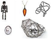 إكسسوارات هالوين 2020 من كبار مصممى المجوهرات بالعالم.. هيكل عظمى بدل الحلق