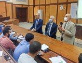 رئيس جامعة طنطا يتابع انتظام الدراسة وتطبيق الإجراءات الاحترازية بكلية الهندسة
