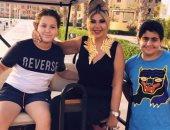 بوسى شلبى فى صورة مع ابنى السقا وأحمد رزق: الغاليين أبناء الغاليين