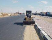 رفع 15 طن رمال ومخلفات من على مسارات طرق بوسط سيناء.. صور