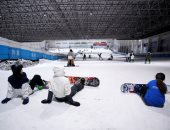 أبطال التزحلق على الجليد يتألقون بعد عودة الرياضة الأكثر متعة فى الصين.. ألبوم صور