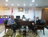 رئيس مدينة سفاجا تناقش توقيع بروتوكول للتعاون البيئى مع إدارة الميناء البحرى