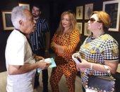 ليلى علوى وإلهام شاهين وبوسى شلبى فى زيارة لمعرض أنسى أبوسيف بمهرجان الجونة