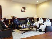 سفير مصر بالرياض يبحث قضايا العمل والعمال مع مسئول بالمملكة