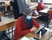 فيديو.. كيف تتعامل طالبات الثانوية بالقاهرة مع التابليت؟