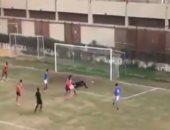 """حسين الشحات بيقلد نفسه.. شاهد نسخة قديمة ومبهرة لـ""""هدف الوداد"""".. فيديو"""