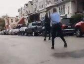 جورج فلويد جديد.. فيديو للحظة إطلاق النار على رجل أسود فى فيلادلفيا