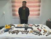 ضبط عنصر إجرامى لادارته ورشة لتصنيع الأسلحة النارية بدمياط