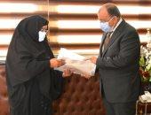 وزير التنمية المحلية يوجه بدفع رسوم التصالح لسيدة عجوز فى سوهاج