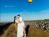 طائرة تغمرهما بالماء.. مصور يبتكر صورا رائعة لجلسة تصوير عروسين .. فيديو