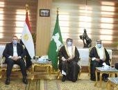 محافظ الشرقية يلتقى رئيس مجلس القبائل العربية