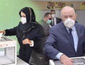 لأول مرة منذ 30 عاما..قائد الجيش وزوجة الرئيس يشاركان فى استفتاء الجزائر ..صور
