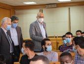 رئيس جامعة طنطا: جولات بالكليات لمتابعة الالتزام بالإجراءات الاحترازية.. صور